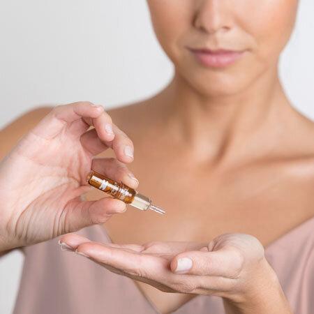 ISDIN Сыворотка для лица дневная Isdinceutics Flavo-C Ultraglican
